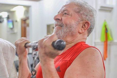 Defesa diz que Lula não pedirá progressão da pena