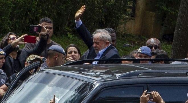 Lula no local do velório do neto, em março deste ano, em uma das duas vezes em que deixou a carceragem da PF em Curitiba durante seu período na prisão