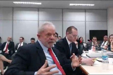 Lula nega que é dono de sítio em Atibaia