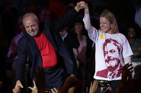 Gleisi vai trabalhar com ofensas proferidas contra Lula