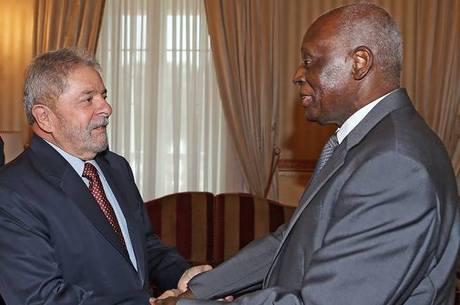 Lula e o ex-presidente de Angola José Eduardo dos Santos