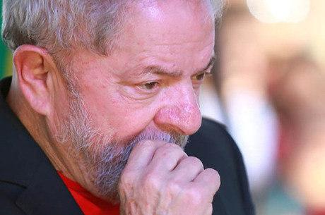 Lula é condenado a 12 anos e 11 meses em caso do sítio de Atibaia