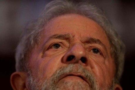 Defesa de Lula tenta liberdade de olho nas eleições