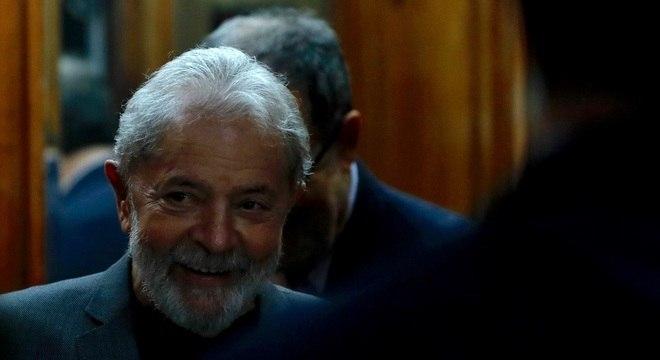O ex-presidente Luiz Inácio Lula da Silva participa do lançamento do livro em SP