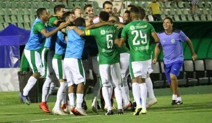 Luta pelo segundo lugar no Grupo D -  Quem briga pelo segundo lugar do Grupo D é o Corinthians, que tem onze pontos, cinco pontos a menos que o Guarani, faltando duas rodadas. A Ferroviária está na mesma situação, também com onze pontos. Ambos precisam vencer os dois jogos para terem chances de classificação.