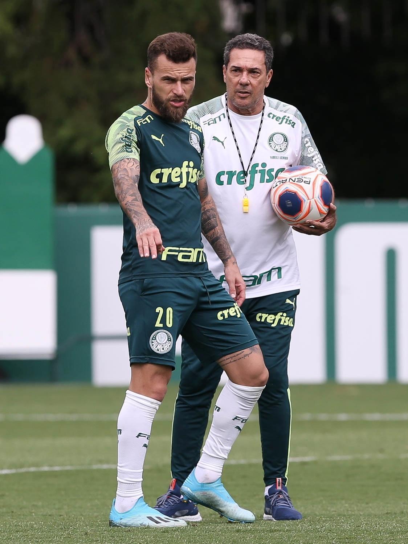 Luxemburgo prometia fazer o caro Lucas Lima jogar bem. Até agora, fracasso absoluto