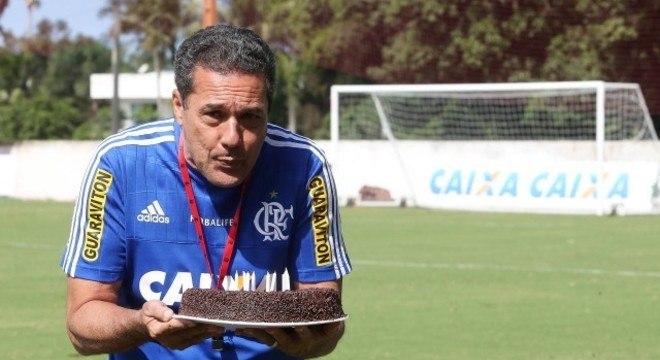 Luxemburgo assume. Seu sonho é ser presidente do Flamengo