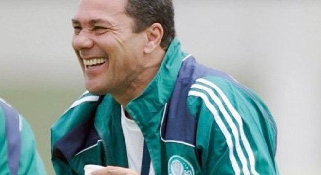 Especialista em fracassos na Libertadores, Luxa está de volta!