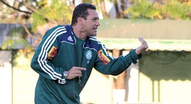 Em 2009 mais uma eliminação da Libertadores. De novo no Palmeiras