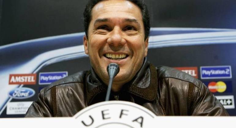 Do Real Madrid à demissão do Vasco, rebaixado. Decadência assustadora