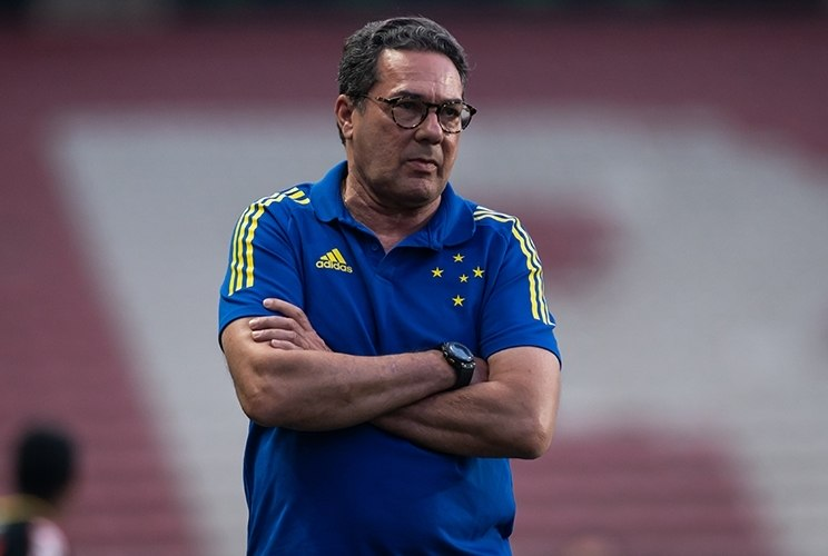 Esperto, Luxa em vez de lamentar o Cruzeiro não subir, quer exaltar a possível fuga da Série C...