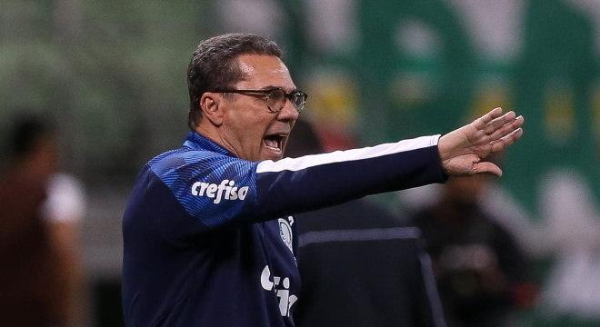 Luxemburgo foi infectado e precisou ficar distante do comando do Palmeiras