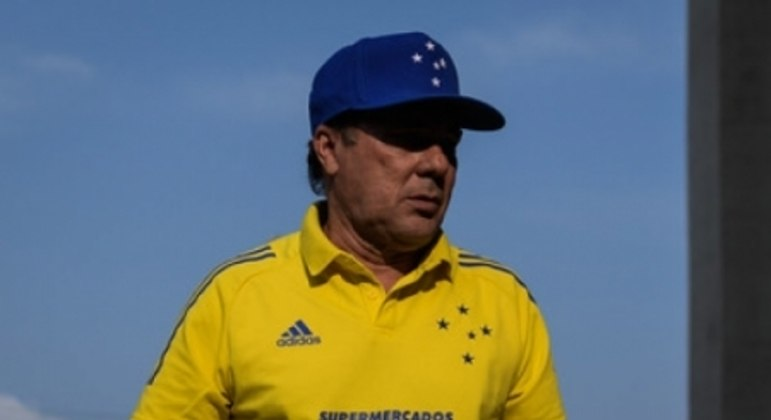 Luxemburgo tentou disfarçar o desânimo após o revés para o CSA que afastou o Cruzeiro ainda mais do G4