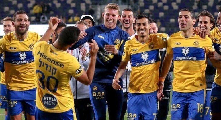 O Maccabi Tel-Aviv celebra a sua classificação