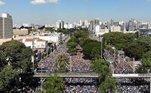 Marcha para Jesus reuniu 1,5 milhãode pessoas, dizem organizadores. Caminhadapercorreu 3,5 km e grupo se concentrou em praça na zona norte de São Paulo.Evento acontece há 26 anos e reúne vários grupos religiosos
