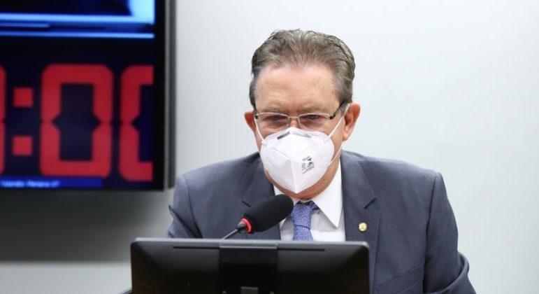 Deputado Luciano Ducci (PSB-PR), relator do projeto desempatou a votação