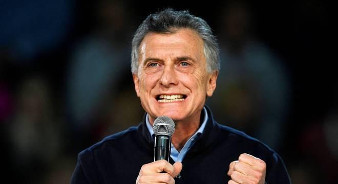 Presidente da Argentina busca recuperar apoio após derrota nas primásias