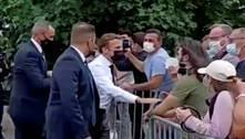 Homem que agrediu Macron é condenado a 18 meses de prisão