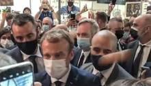 Jovem que jogou ovo em Macron é internado emclínica psiquiátrica