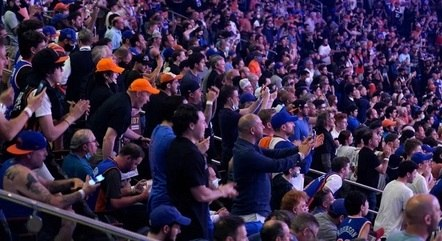 Torcedores de New York Knicks e Atlanta Hawks
