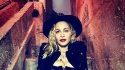 Com tudo em cima, diva pop Madonna puxa a fila das 'sessentonas' gatas ()