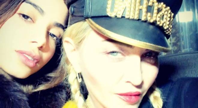 Madonna publicou clique com Anitta no Instagram e, na legenda, a elogiou