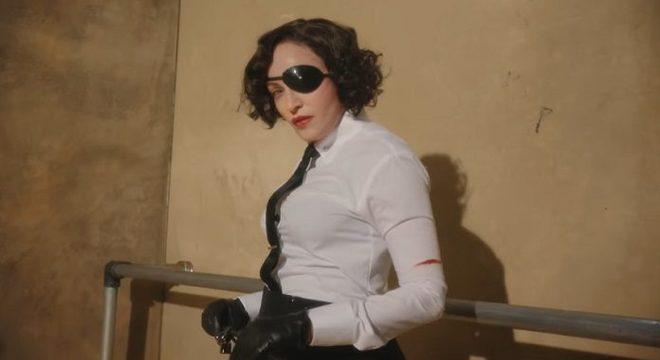 Madonna chora de dor em show e promete terminar turnê a todo custo