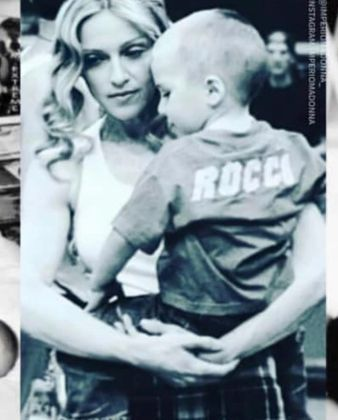 Madonna, de 62 anos, se declarou para o filho aos publicar as imagens de arquivo:
