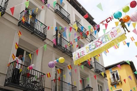 Espanha começa a flexibilizar medidas de isolamento