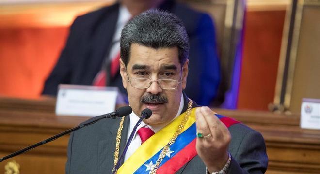 Maduro: 'muitas pessoas não gostam de fazer o câmbio para petro porque têm negócios em dólares'