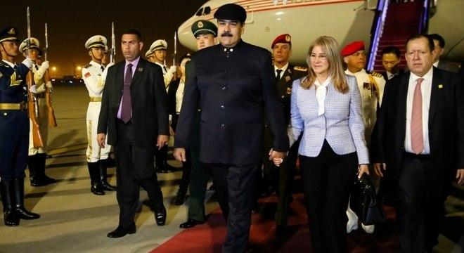 Maduro faz visita a Pequim e espera novos empréstimos para seu país