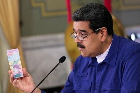 Maduro apresenta nota da nova moeda do país