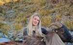 As imagens mostram que ela caça veados, gambás, coelhos e javalis durante as viagensNÃO PERCA: Pescadorfisga peixe bizarro com 'sorriso humano' e viraliza