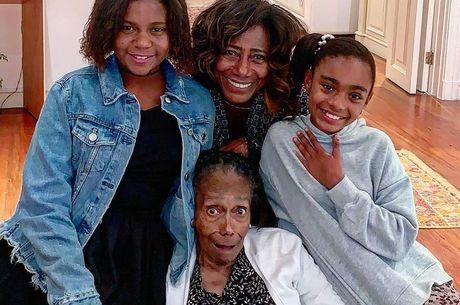 Gloria durante aniversário de 89 anos da mãe, em 2019