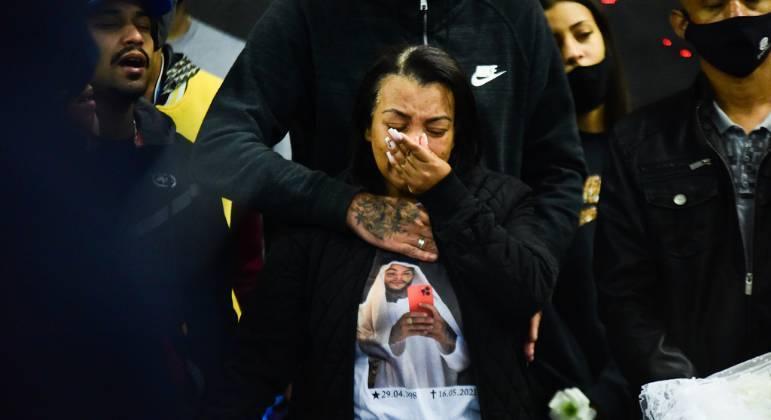 Mãe de MC Kevin, Valquiria Nascimento, lamenta dois meses da morte do filho