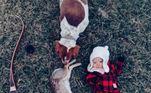 As imagens mostramIsabella ao lado de algumas de animais mortos. Apesar de ela ser pequena demais para entender o que se passa, as críticas afirmam que a criança não deveria ser exposta à crueldade