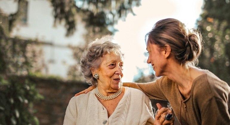 Receita estipula limite de renda para que pais possam ser dependentes