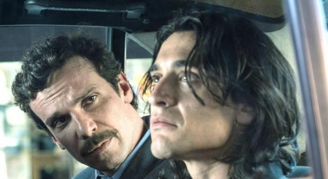"""Na série """"Il Cacciatore"""", Pasquale Di Filippo é interpretado por Dario Aita (à dir.)"""