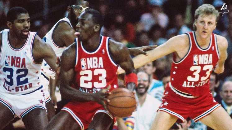 Magic Johnson e Larry Bird materializam a rivalidade entre Los Angeles Lakers e Boston Celtics, trocando provocações e sempre elevando o nível entre eles.