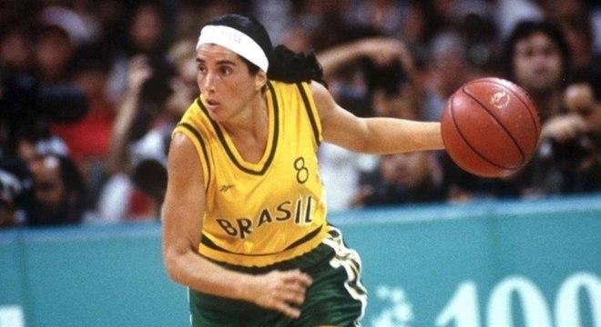 Magic Paula torce por medalha, mas teme futuro do basquete feminino