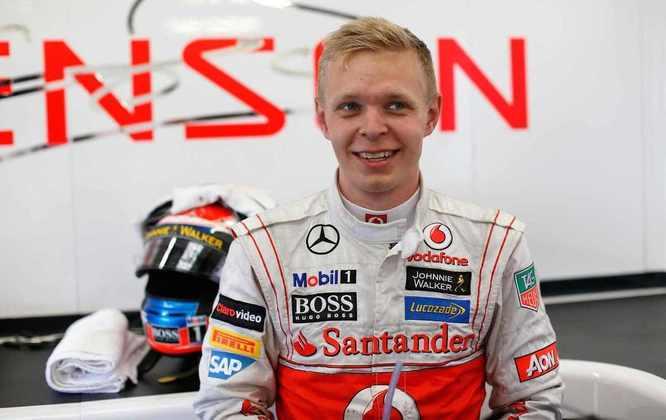 Magnussen andou de F1 pela primeira vez em 2012, pela McLaren, em um teste de jovens pilotos em Abu Dhabi. Na ocasião, ele foi o mais rápido