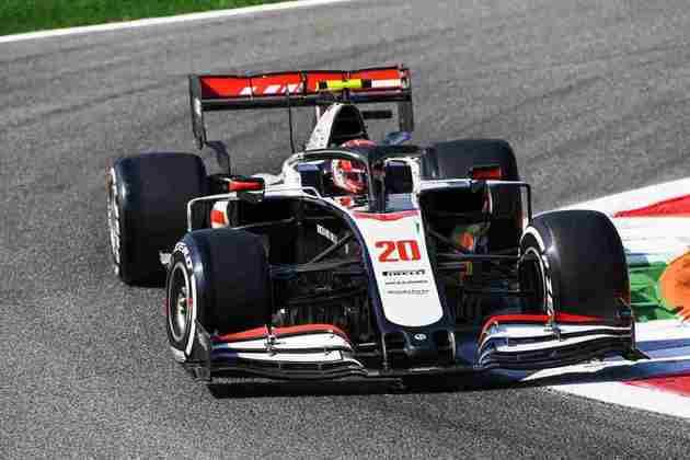 Magnussen em ação no veloz circuito de Monza
