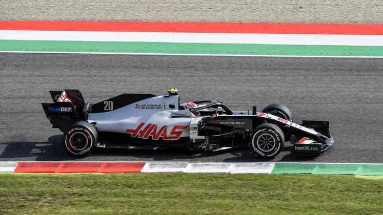 Magnussen fechou a sexta-feira apenas na 19º colocação