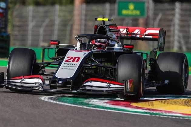 Magnussen larga apenas em 17º no GP da Emília-Romanha após escapar da pista na última tentativa