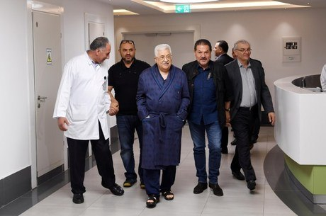 Presidente palestino Mahmoud Abbas no hospital