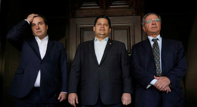 Maia, Alcolumbre e o ministro da Economia, Paulo Guedes