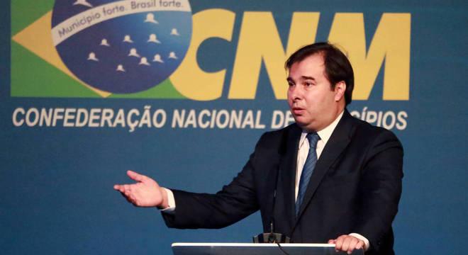 Maia pediu apoio a prefeitos para aprovação da reforma da Previdência