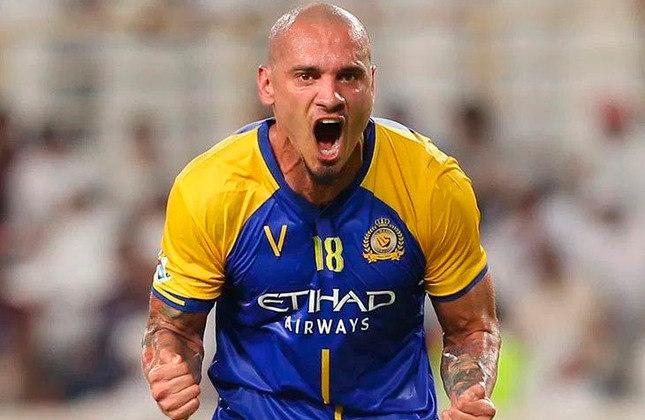 Maicon Roque - Clube: Sem clube (Al-Nassr foi seu último clube) - Posição: zagueiro - Idade: 33 anos - Livre no mercado desde:01/07/2021