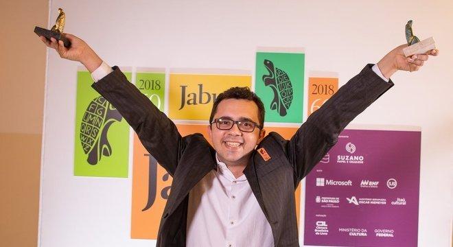 Pela primeira vez em 60 anos do Jabuti, o prêmio de livro do ano foi de um autor independente