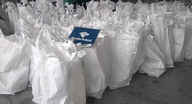 Cerca de três toneladas de cocaína foram apreendidas no porto de Santos